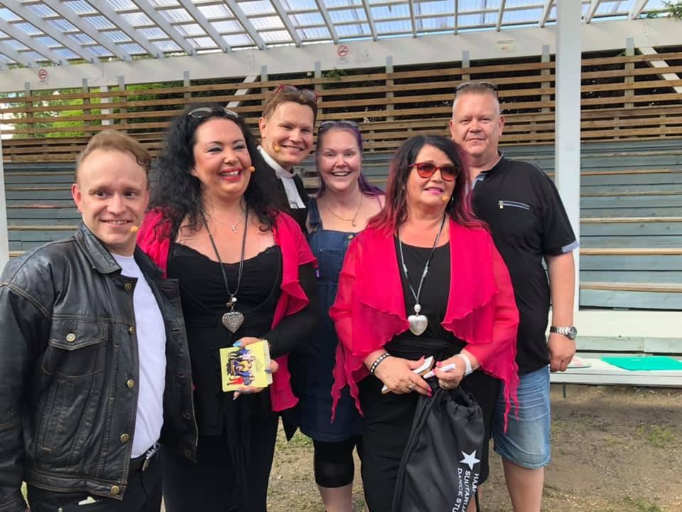 Aki ja Heli Palsanmäki Teijo Markku Meiju Jonna Maitolavan madonnat 2019